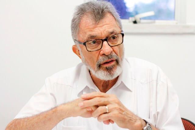 Eudoro Santana recebe homenagem do comércio cearense - CDL de Fortaleza