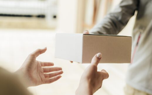mão, caixa, encomenda, delivery, entrega